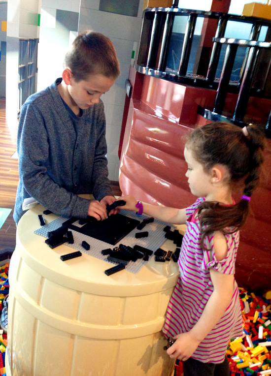 Legoland_hotel_play