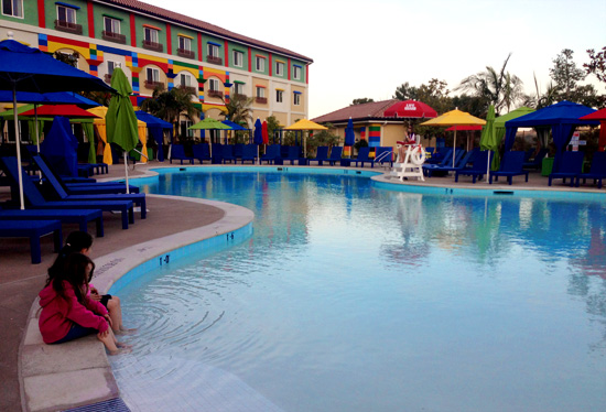 The gallery for legoland hotel pool for Hotels near legoland with swimming pool