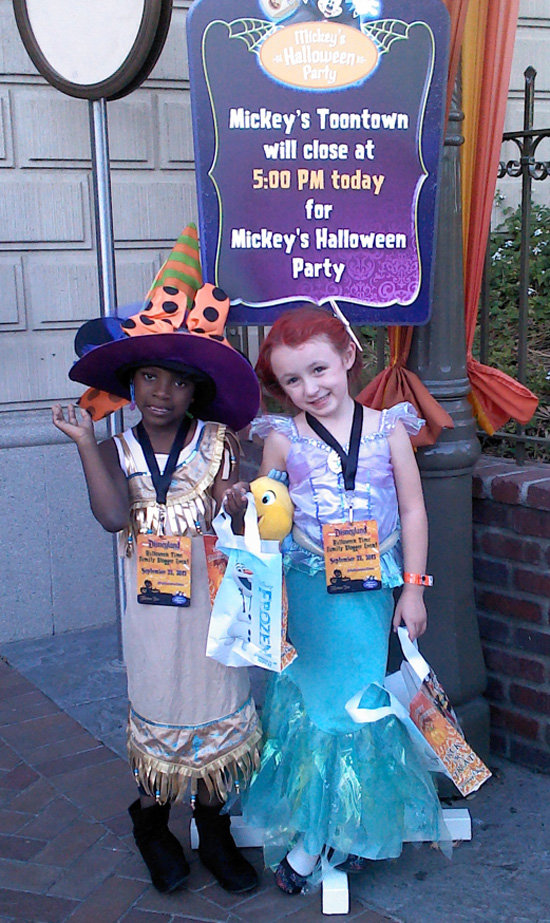HalloweenTime_mickeys_party