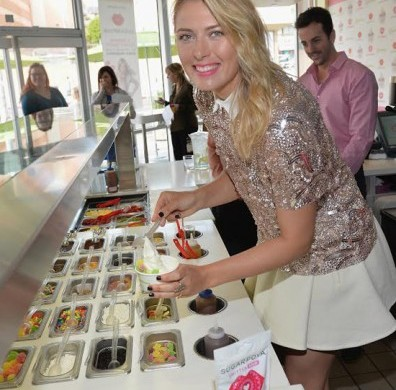 sharapova-pinkberry-396x495