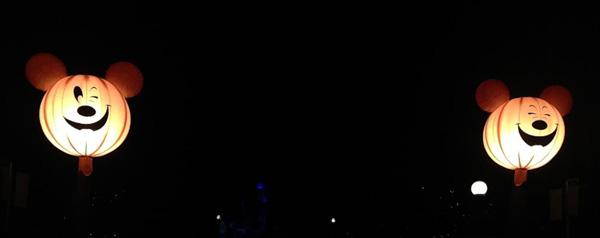 disneyland-glow