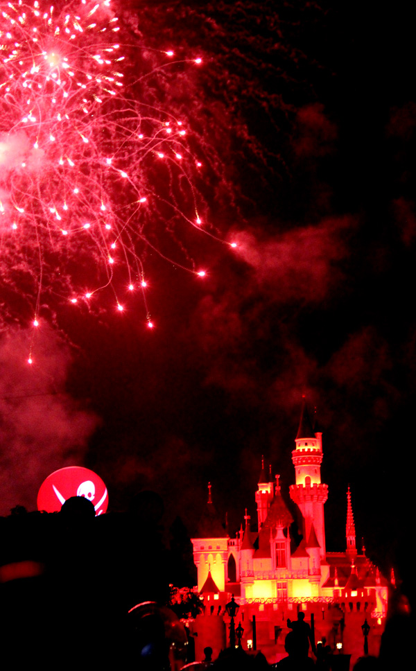 disneyland-mickey-fireworks