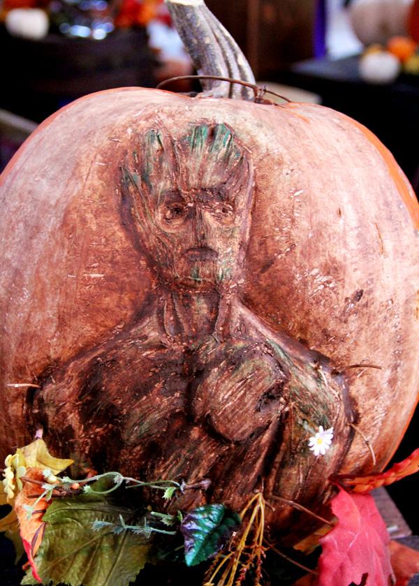disneyland-pumpkin-groot