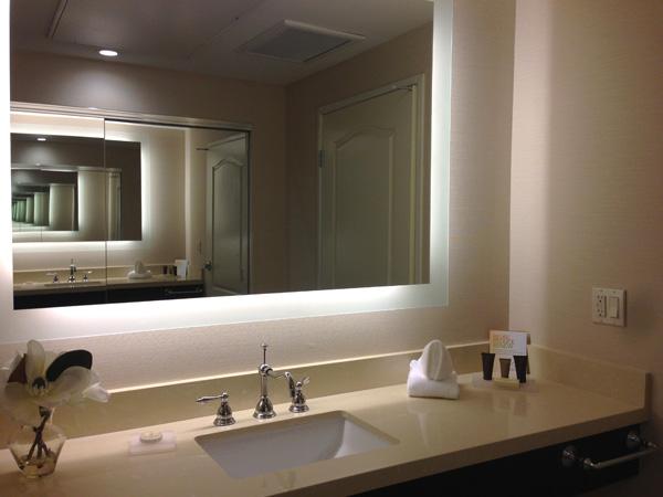 ayres-hotel-orange-bathroom