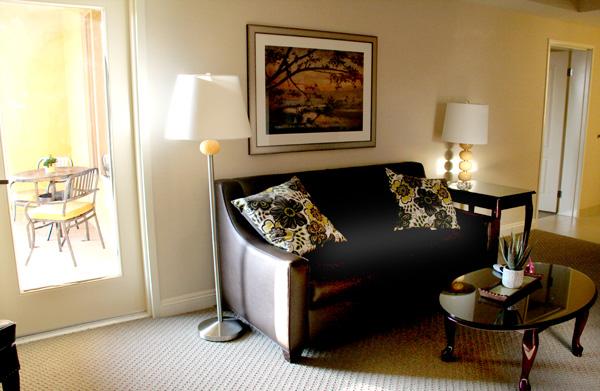 ayres-hotel-orange-living