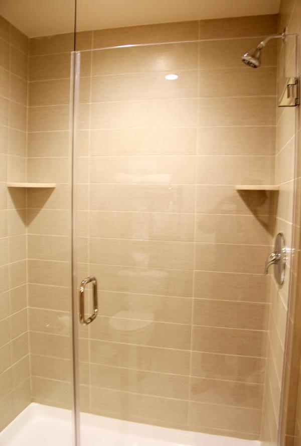 ayres-hotel-orange-shower