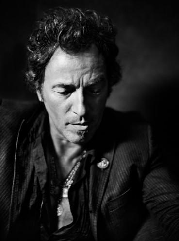 Bruce-Springsteen13957-32-45C-2-369x495