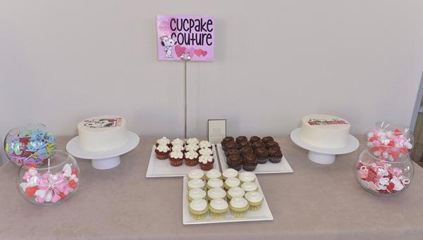 snoopy-valentine-cupcakes