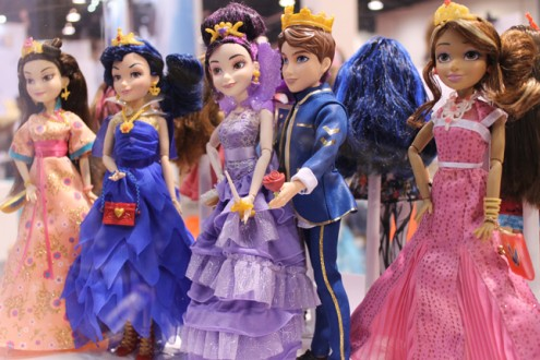 d23_disney_descendants_dolls1