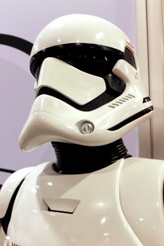 d23_starwars_firstorder_helmet