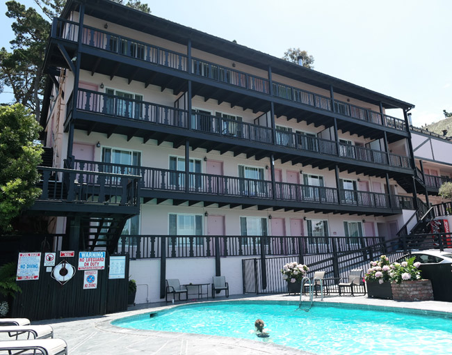 carmel-hofsas-pool