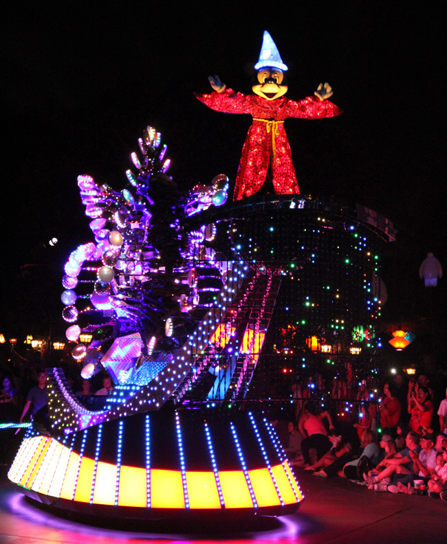 paint-the-night-mickey