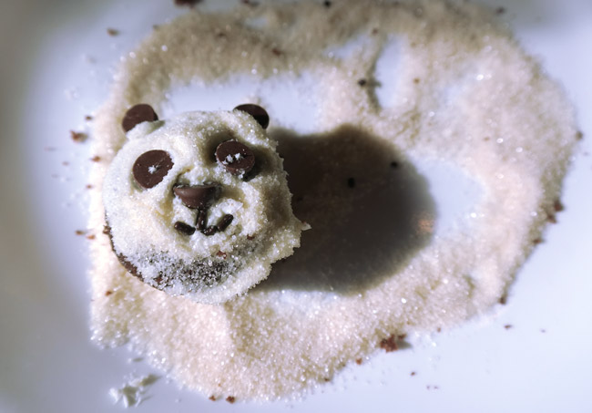 mini-panda-cupcakes