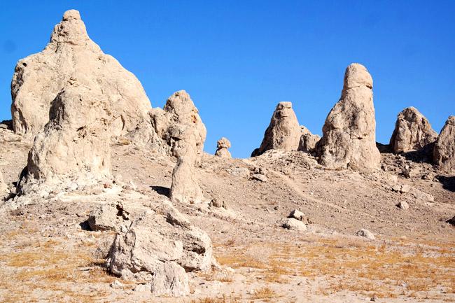 Explore Trona Pinnacles In Mojave Desert California - That's It LA