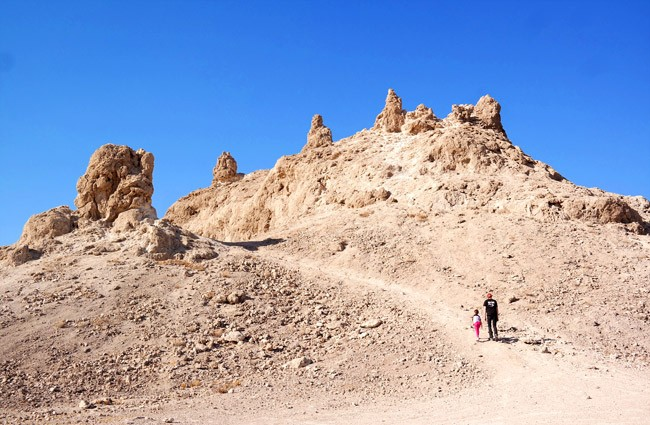 trona-pinnacles-mojave-cali