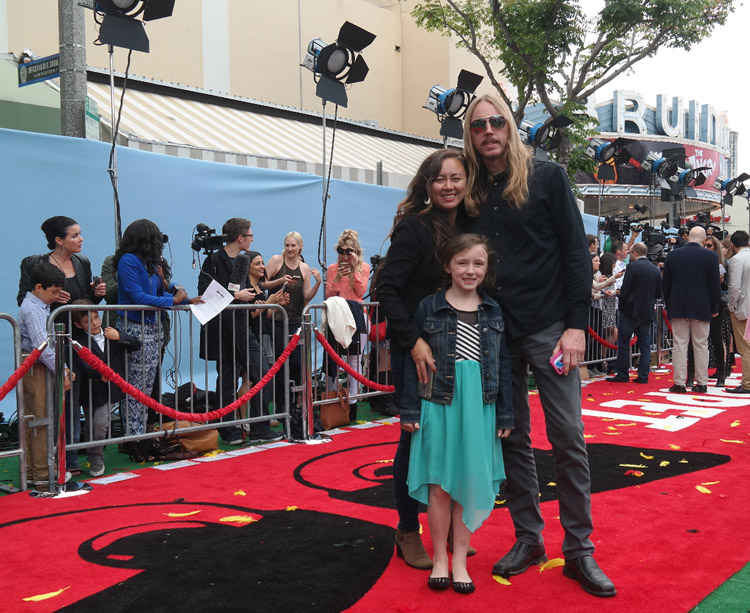 Angry Birds Movie Premiere, Los angeles, blake sheldon friends, Angry Birds Movie review
