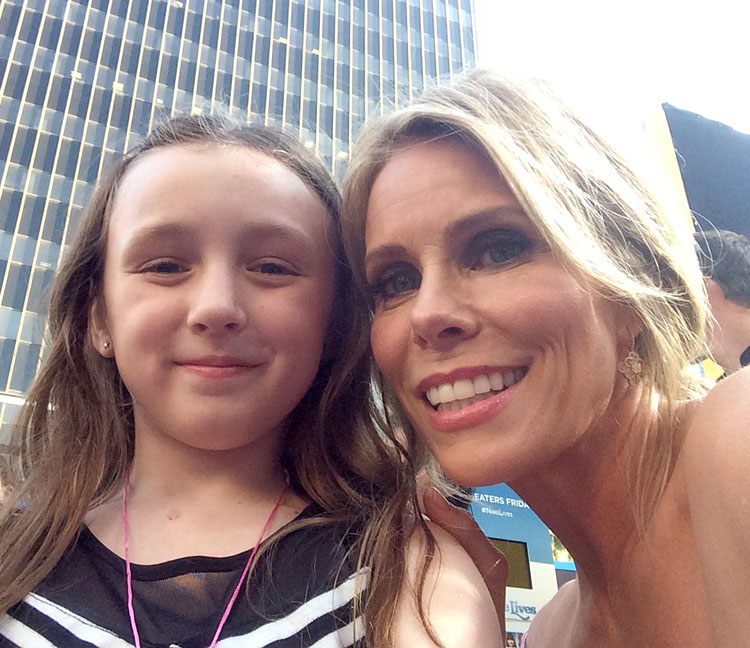 cheryl hines nine lives