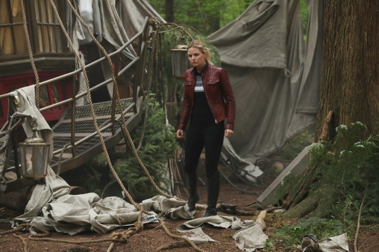 "ONCE UPON A TIME - ""The Savior"" - As ""Once Upon a Time"" returns to ABC for its sixth season, SUNDAY, SEPTEMBER 25 (8:00-9:00 p.m. EDT), on the ABC Television Network, so does its classic villain-the Evil Queen. (ABC/Jack Rowand) JENNIFER MORRISON"
