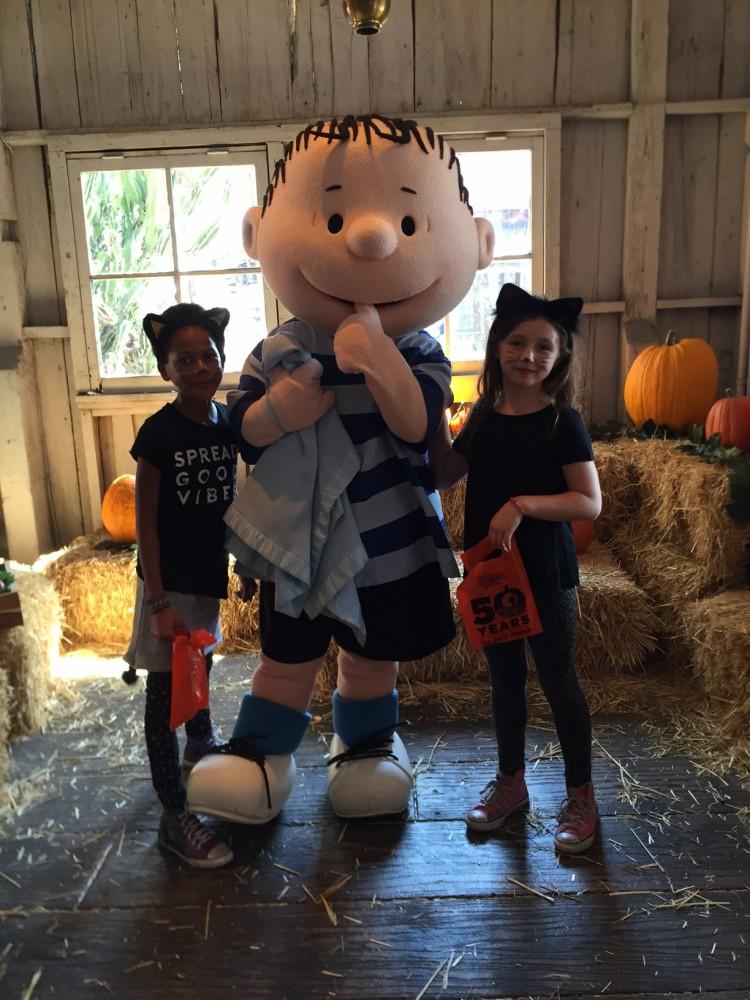 knotts spooky farm linus