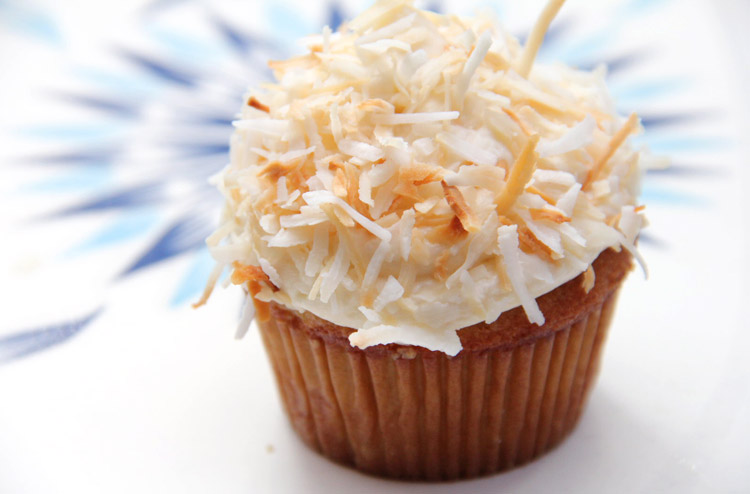 Pineapple cupcakes, cupcake recipes, polynesian inspired cupcake, coconut