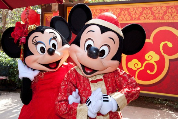 Minnie-and-Mickey-Lunar-New-Year