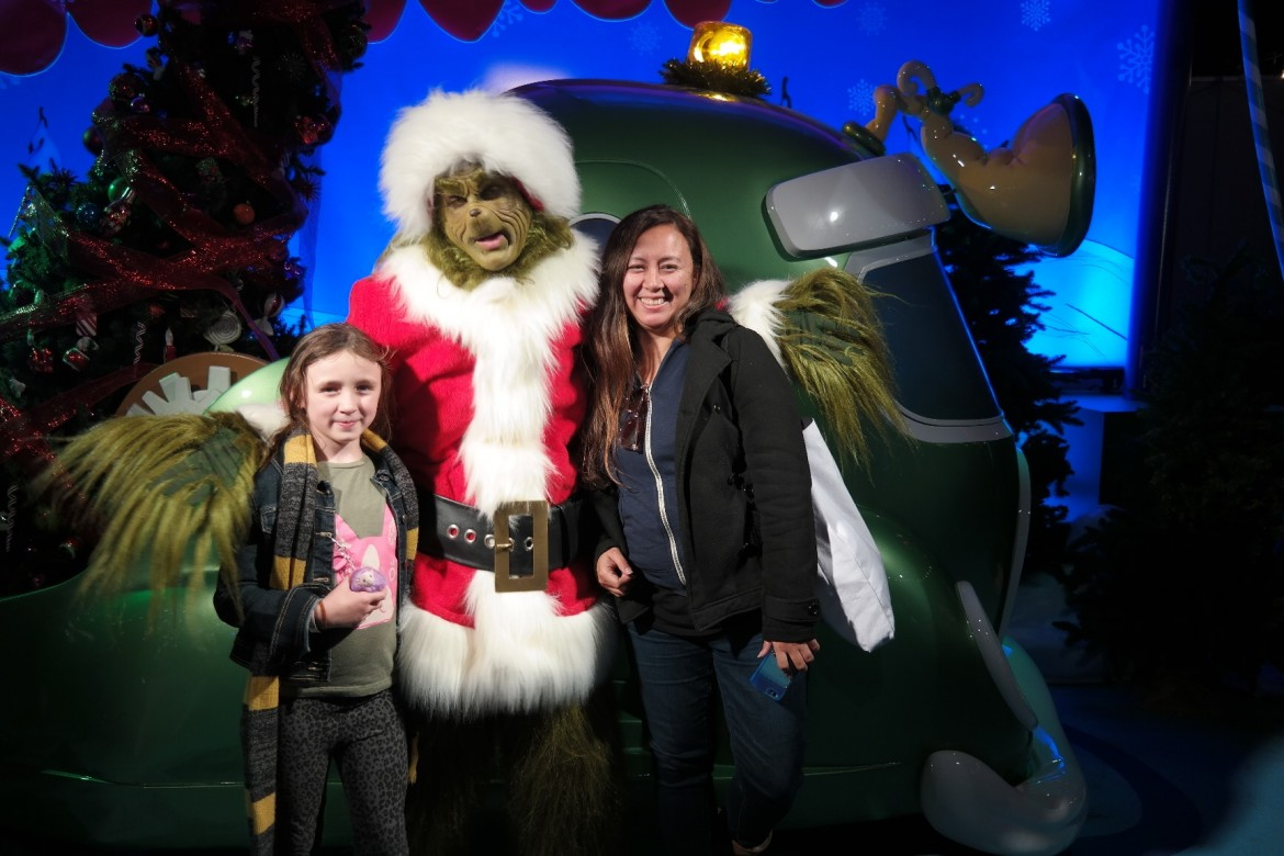 grinch photo opp
