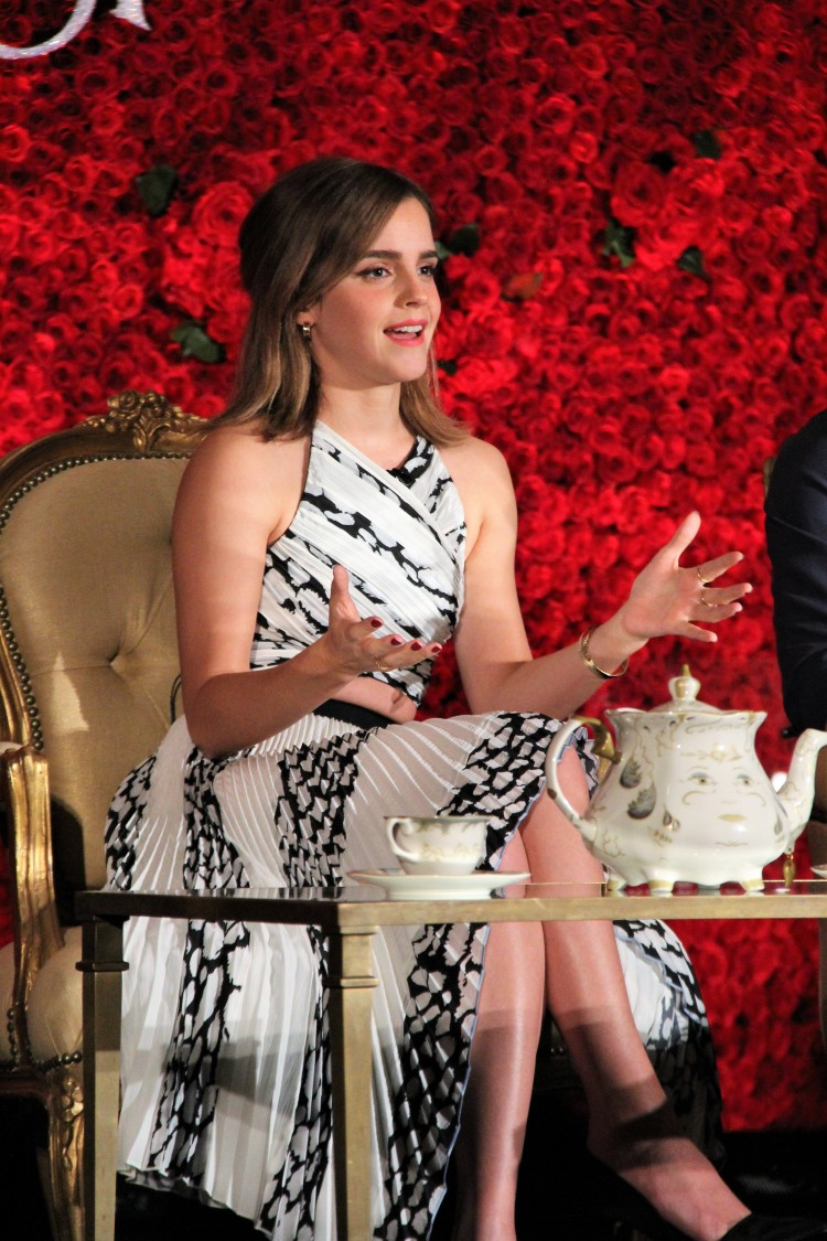 Emma Watson, Behind the scenes Beauty and the beast, beauty and the beast release date