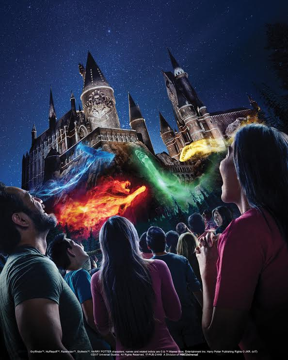 The Wizarding World of Harry Potter, The Nighttime Lights at Hogwarts Castle, universal studios hollywood,