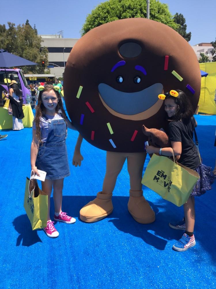 emoji movie donut