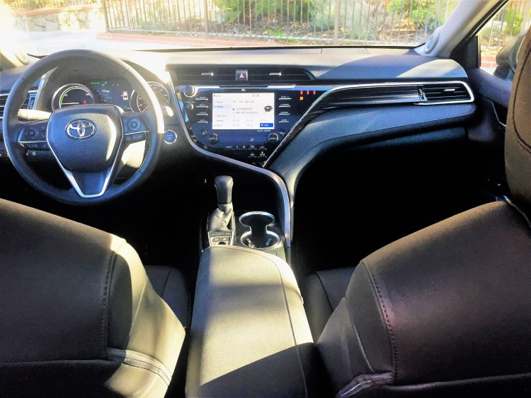 2018 Toyota Camry Hybrid review 9