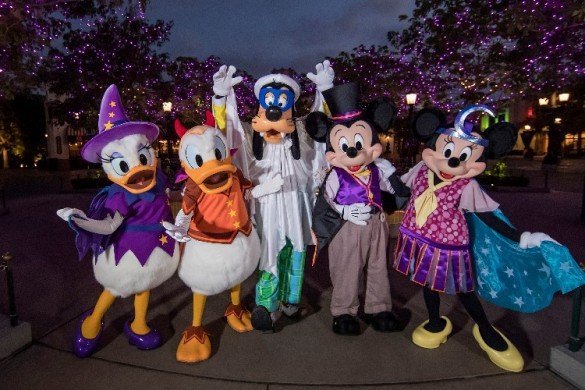 Mickey's Halloween Party, Time, Disneyland Halloween