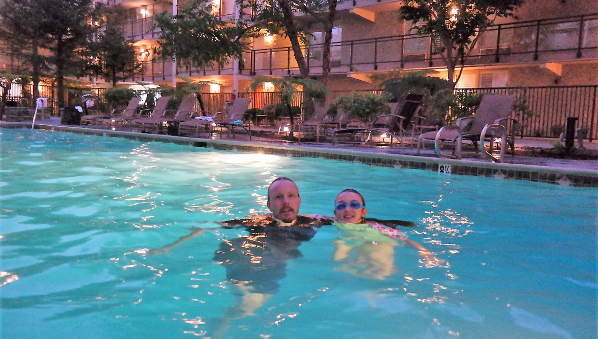 discover torrance doubletree pool
