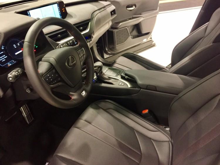 Lexus UX oc auto show 3