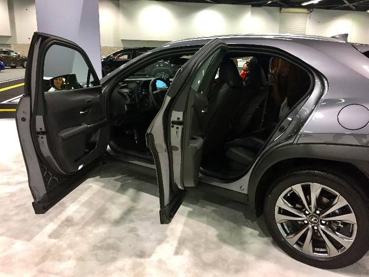 Lexus UX oc auto show 4