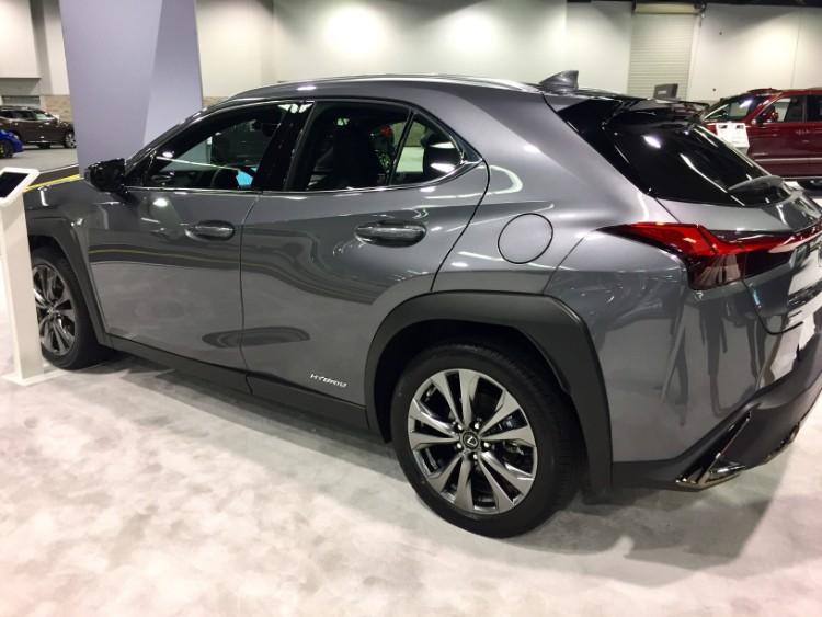 Lexus UX oc auto show 6