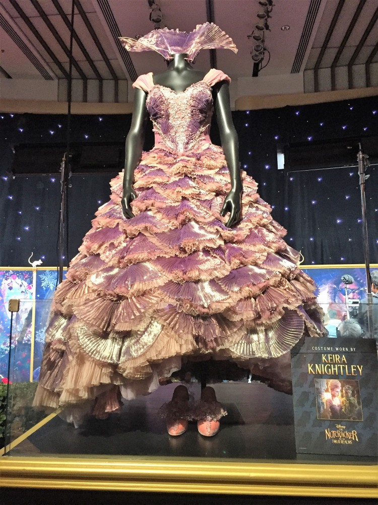 nutcracker four realms mother daughter keira