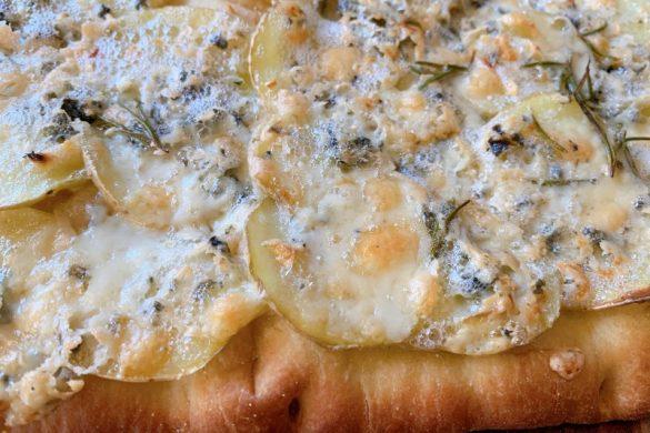 Gorgonzola and Potato Pizza recipe