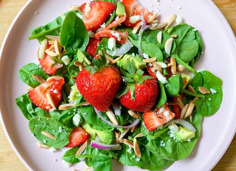 strawberry spinach summer salad (1)