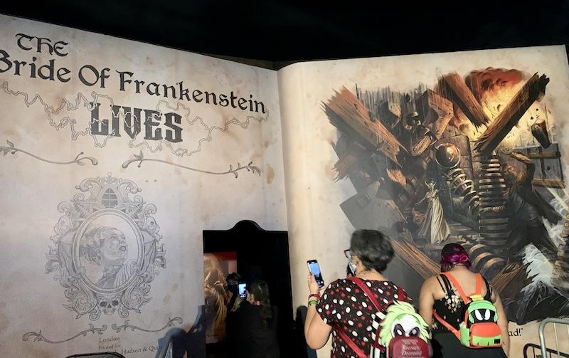 bride of frankenstein lives halloween horror nights maze